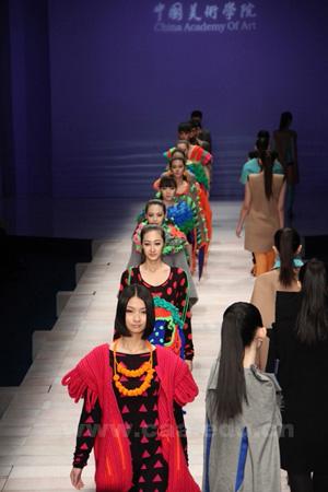 设计艺术学院2012届服装毕业设计应邀参加中国国际时装周展演