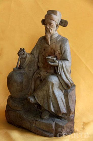 明代鸿儒周洪谟金丝楠木雕像问世(图)